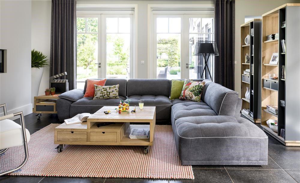 Stühle und Tisch für den Garten ausgezeichnete Material Eigenschaften